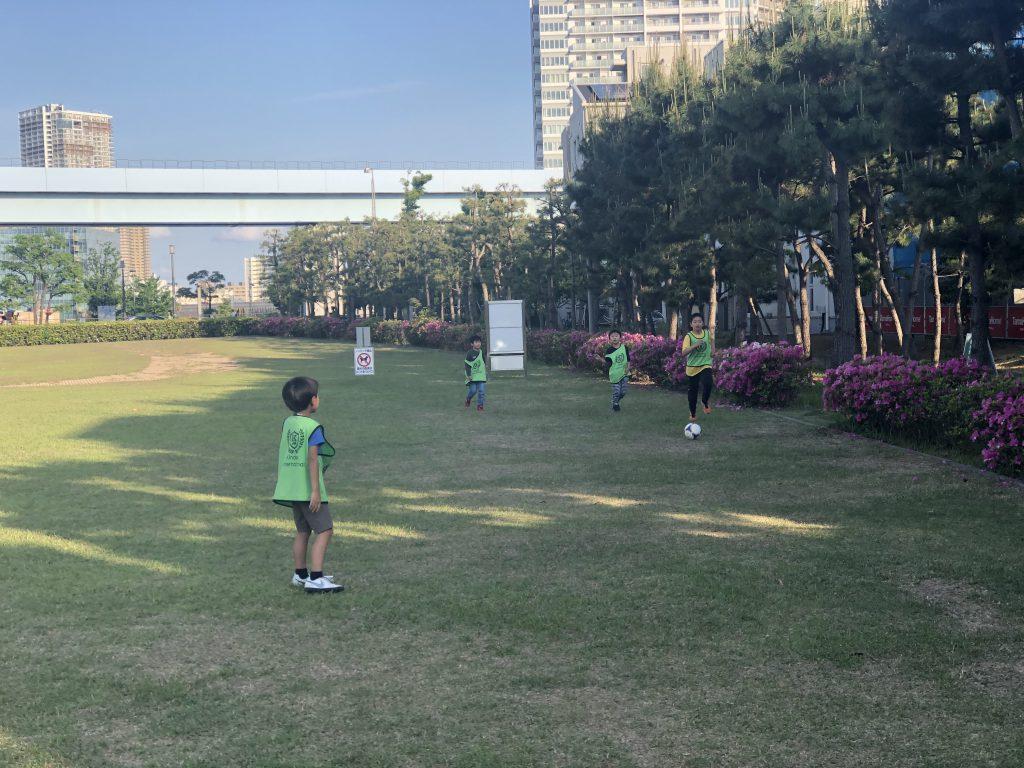 豊洲校の外遊び風景